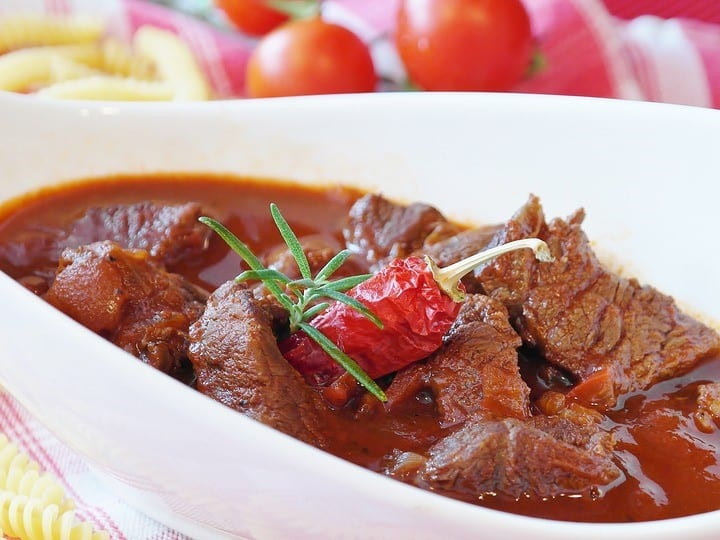 goulash, beef stew, Is a slow cooker the same as a crock pot?