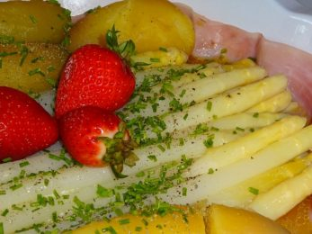 White Asparagus With Prosciutto And Red Potatoes