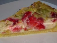Rhubarb Pie With Sour Cream Topping